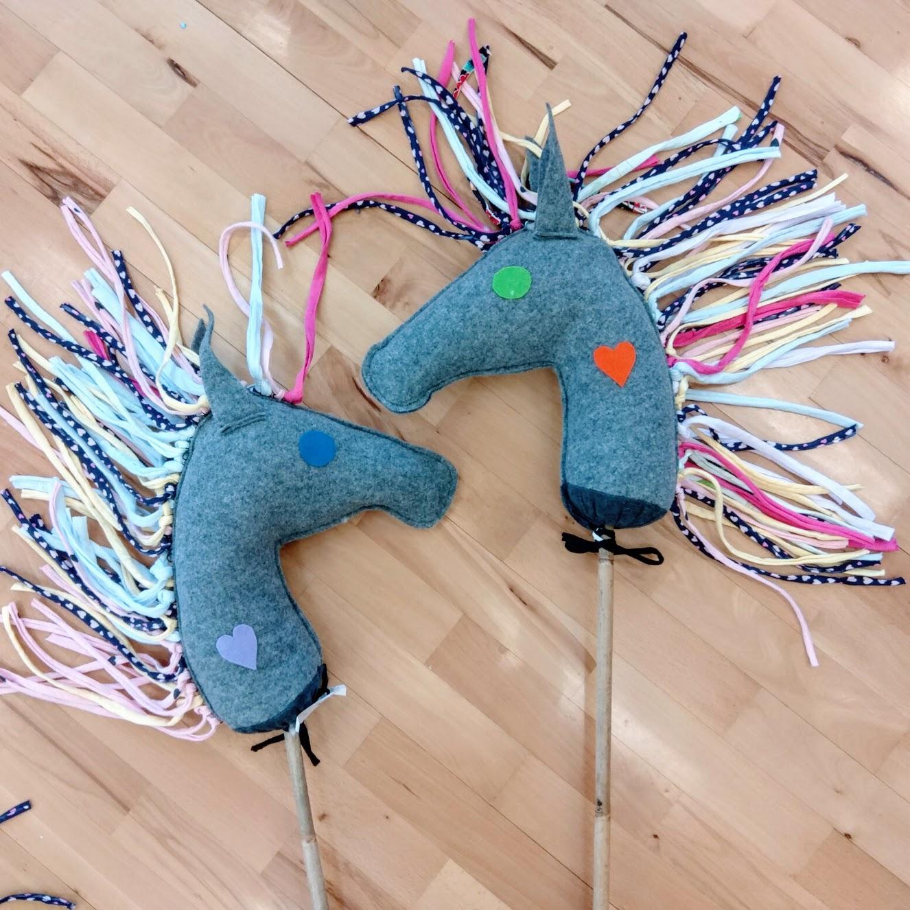 Filcowe koniki na patyku – warsztaty dla dzieci od 4 lat